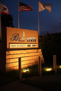 Bay Breeze Inn - Entrance